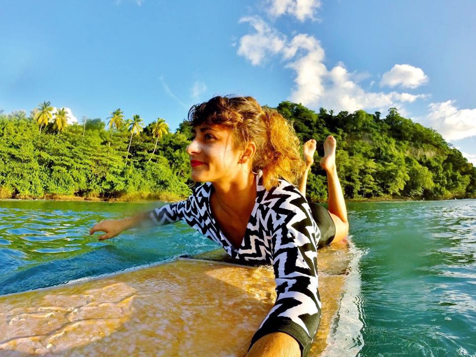 Surfgirl martinique caribbean ocean longboard caraibes 972 tartane ecole surf